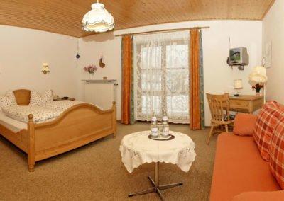 Romantikzimmer mit Terrasse - Pension Sonnleitn - Urlaub mit Hund in Zwiesel